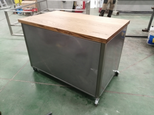 Stół-zabudowany